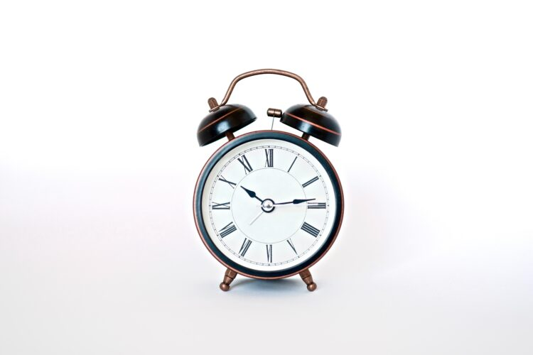 An analog alarm clock