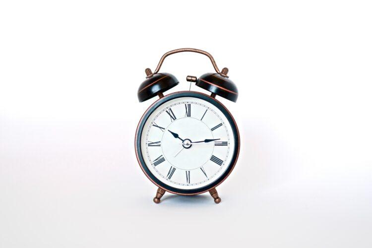 An analog alarm clock